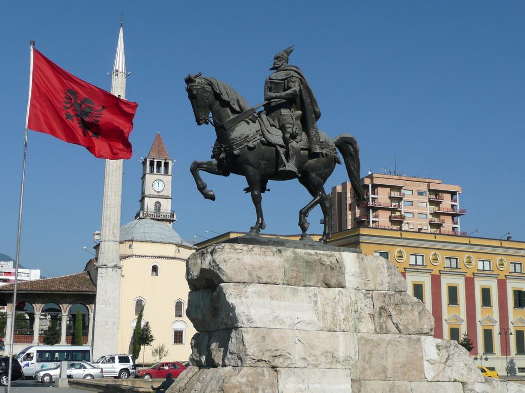 Skanderbeg Statue Skanderbeg Square Et Hem Bey Mosque