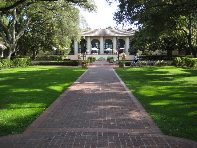 Lagunita Court | Undergraduate Residency in Stanford   Envy