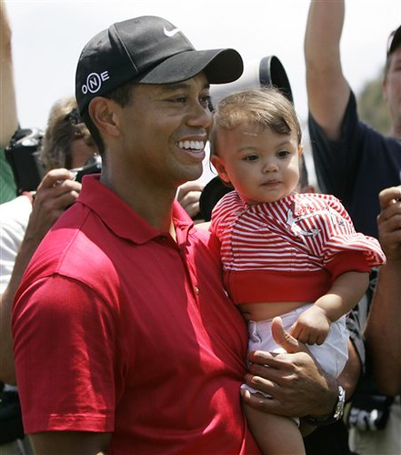 US Open Golf | Tiger Woods holds his daughter, Sam Alexis ...
