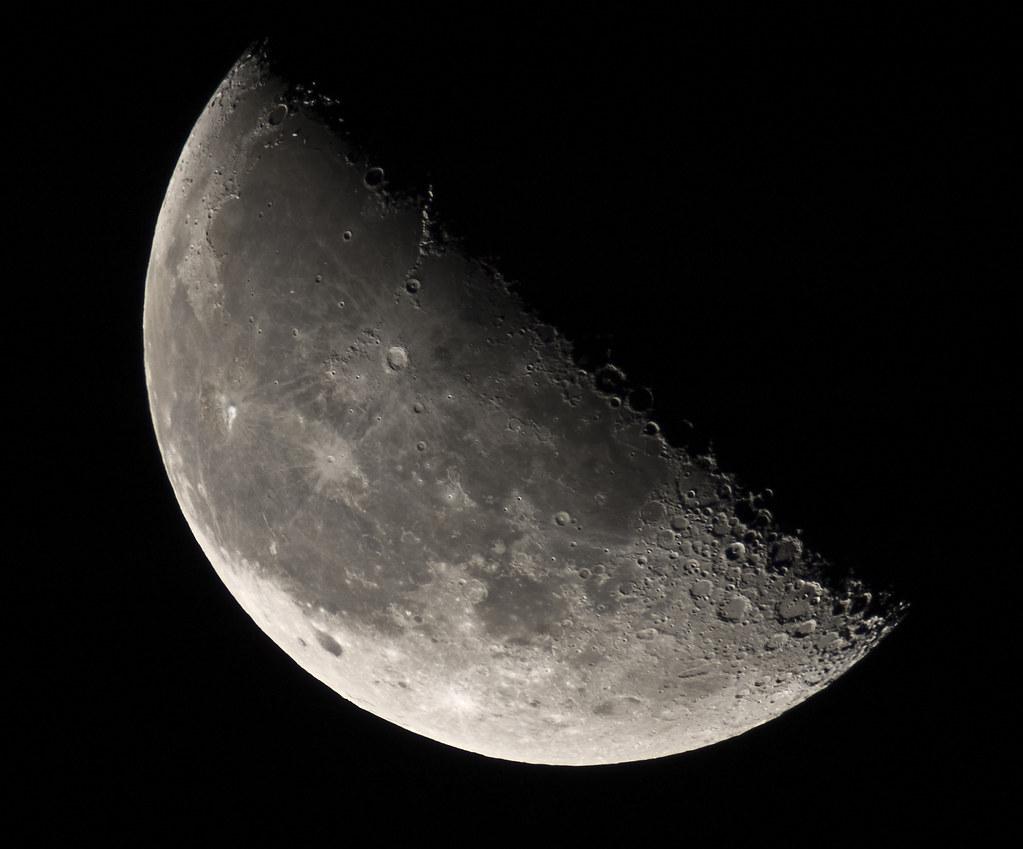 luna cuarto menguante | tomas meson | Flickr