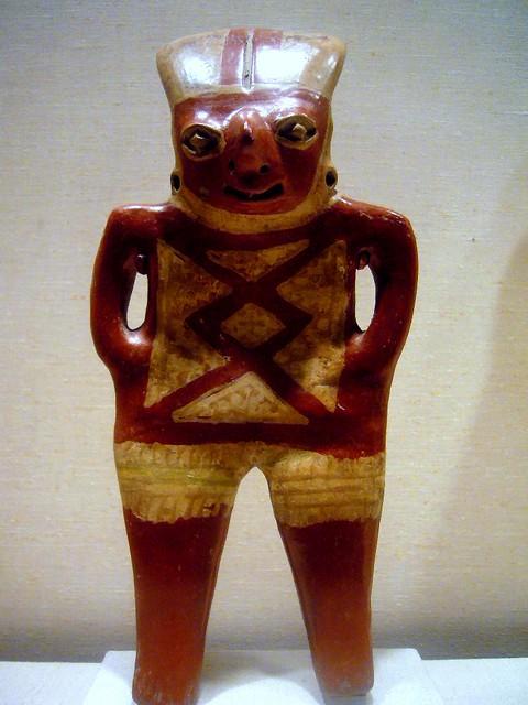 Chupícuaro standing figure