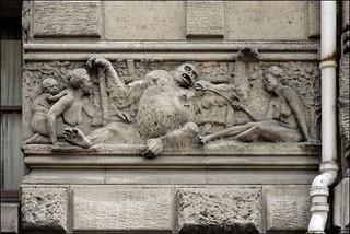 Institut de paléontologie humaine, Paris | by Xavier de Jauréguiberry