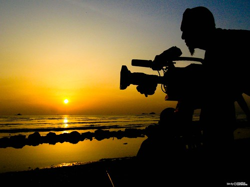 CAMERAMAN | by birdy creative commons