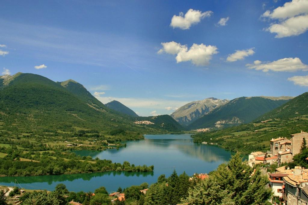 Lago di Barrea - L'immagine di Luigi_Alesi è sotto licenza CC BY-NC 2.0