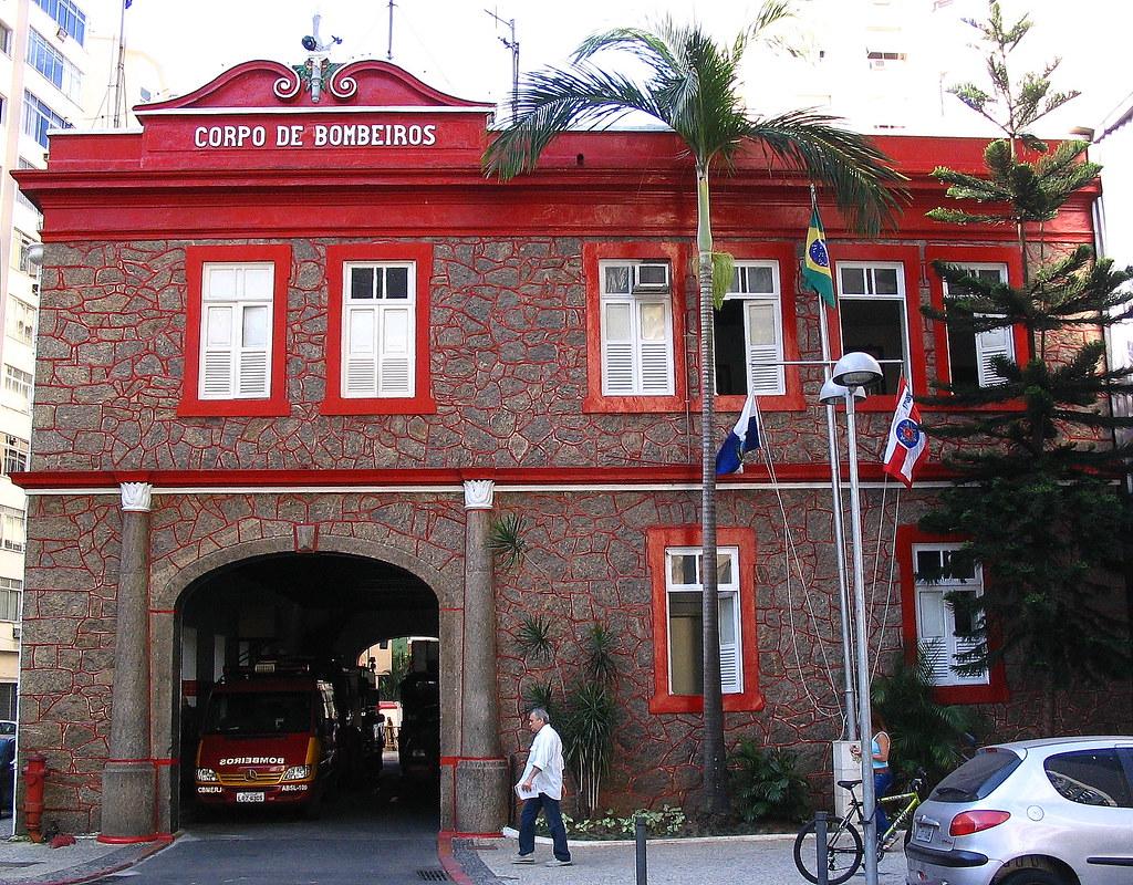 Resultado de imagem para quartel do corpo de bombeiros de copacabana