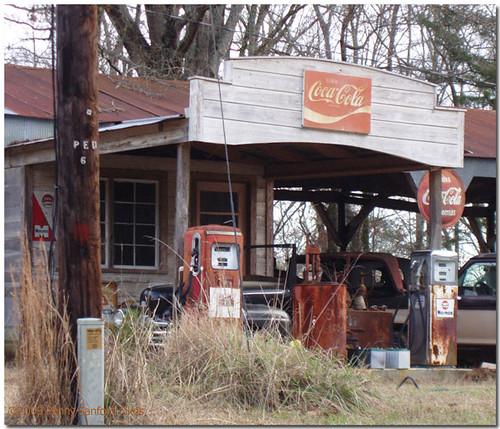 Vintage Service Station Memorabilia - a photo on Flickriver