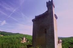 Château de Commarque and Château Laussel