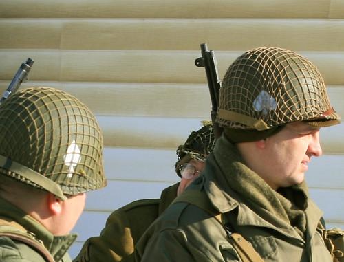 portrait pennsylvania gis wwii helmet battle ww2 soldiers uniforms 2009 reenactment kawkawpa worldwar2 battleofthebulge soldats fortindiantowngap img1540
