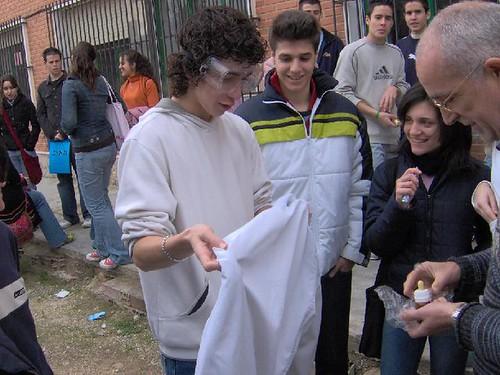 Jornada de ciencia en el IES Vega del Tader 2005 | by Fisimur
