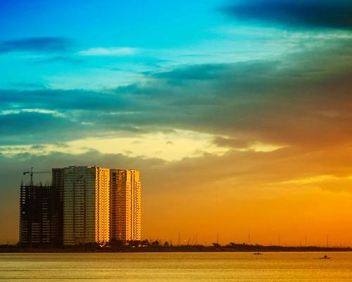 sunset sea sky clouds buildings fun bay george philippines explore manila mateo manilabay gregorio explored thehousekeeper pinoykodakero flickristasindios photosexplore philippinephotographicsociety litratistakami georgemateo gregoriomateo gcmateo