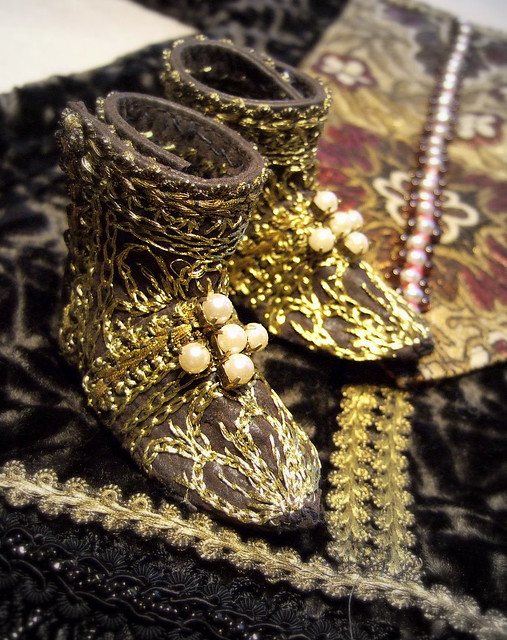 Ceremonial boots with Dalmatica coat
