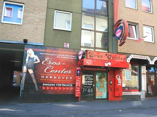 Eros Center Hannover, Drehscheibe | Eingang Tür rechts