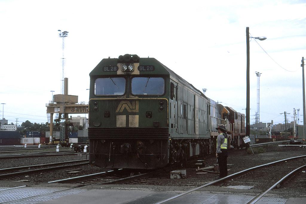 5117 - BL28, NR79, T381 Dynon 26-10-1997 by michaelgreenhill