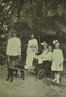 Kinderen Calkoen   by Stichting Surinaams Museum