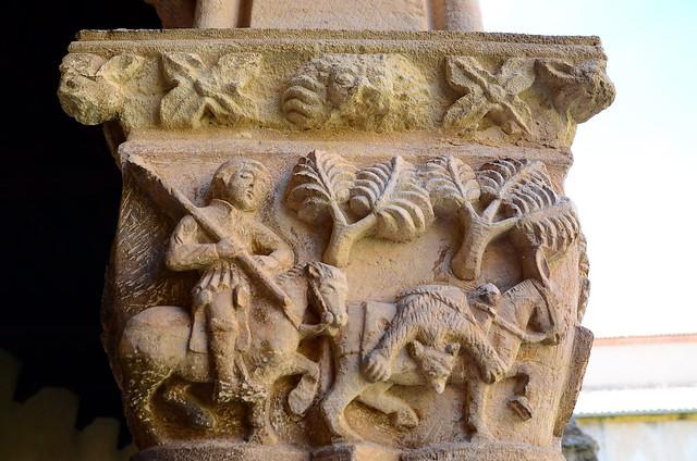 Monasterio de Nuestra Señora de la Soterraña (Santa María la Real de Nieva, Segovia). Capitel de la caza del oso
