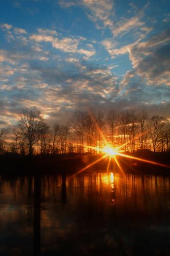 sunset sky sun clouds reflections river starburst ferrylanding coosariver thewaterfallhunterakahoganfann loriwalden
