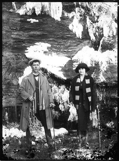 Katoomba Falls Middle Platform under ice, souvenir photo c1910