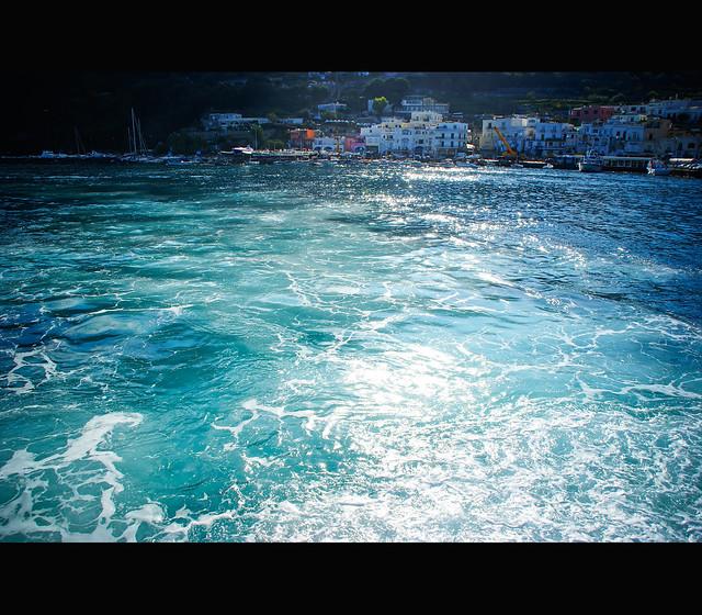 Entering Capri's port