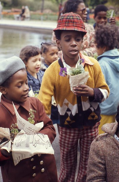 Plant Sale: Children and purchases, 1974