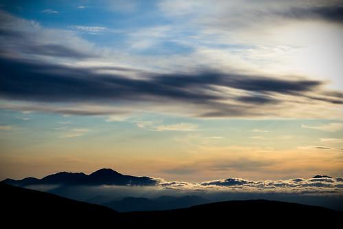 sky mountains japan clouds sunrise hokkaido hiking hike 北海道 日本 peaks 大雪山 tokachidake daisetsuzan canoneos30d kamifurano 十勝岳 canon247028lusm 富良野岳 furanodake kamihoro 上ホロ小屋 115kmeofsapporo