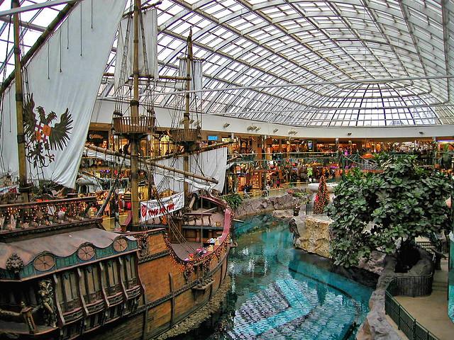 Christmas, The lagoon, West Edmonton Mall