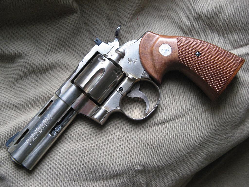 COLT PYTHON  357 Magnum | STEEL MODEL GUN Metal Kokusai: COL