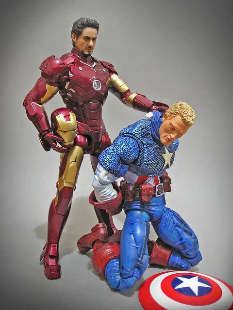 Hot Toys_Ironman_Marvel_Icons_Captain_America