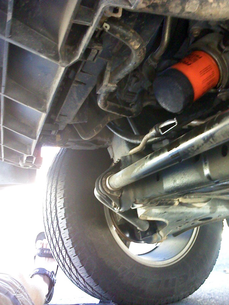 Changing the oil and filter on my 2005 Nissan Titan   Flickr