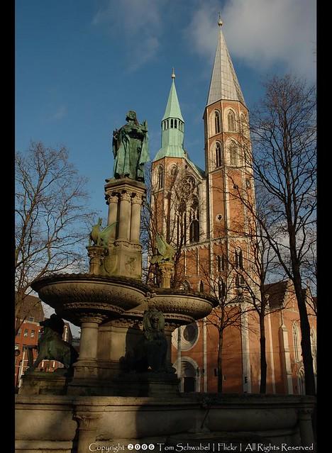 St Katharinen & Heinrichsbrunnen
