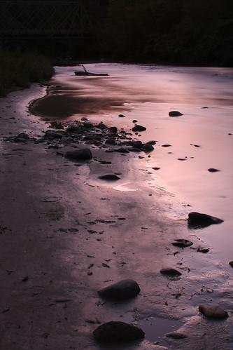 longexposure sunset motion water river puddle sand pretty vermont purple dusk stones bank whiteriver bethel canon40d
