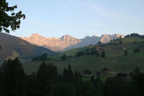 mountains geotagged schweiz switzerland suisse swiss marmot rougemont vaud gstaad saanen geo:lat=46487283 geo:lon=7213211