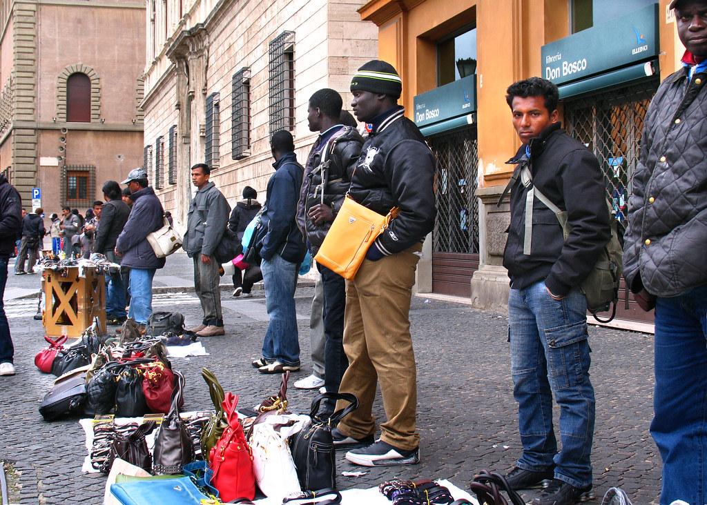 Immigrati a Via della Conciliazione