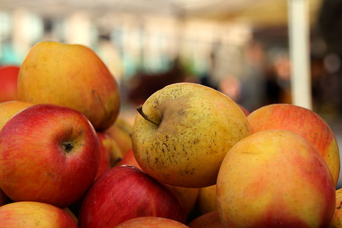 Apples at Farmer's Market | by Mr.TinDC