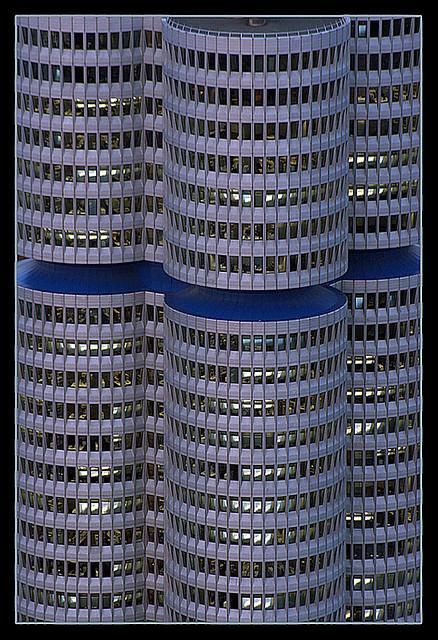 BMW-Turm.