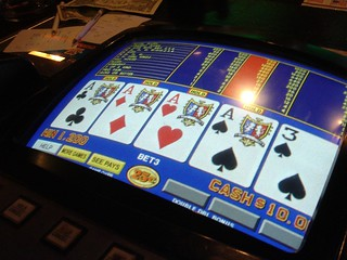 Four of a kind on video poker! | by @jozjozjoz
