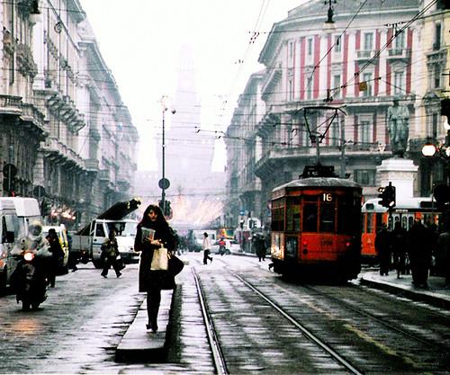 Scatto di strada a Milano, dicembre 2004 | by odei