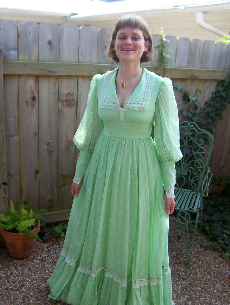 4a01bbb20b3 ... 70s bridesmaids  dress
