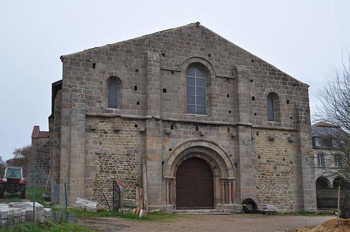 Abadia de Bellaigue (Puèi Domat)   by Monestirs Puntcat