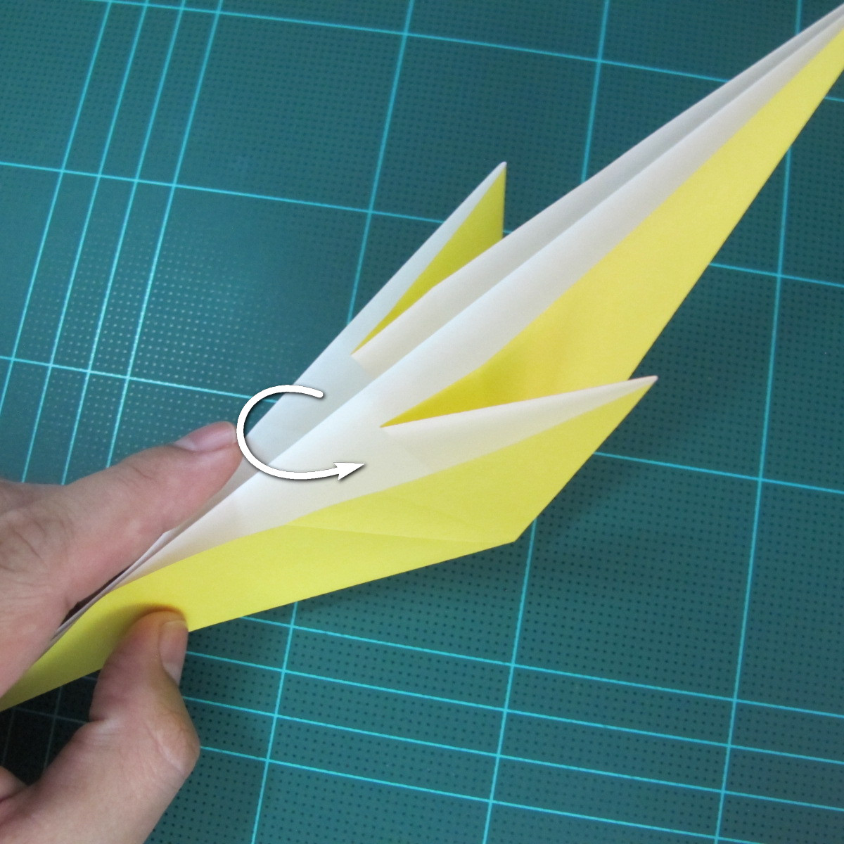 วิธีการพับกระดาษรูปม้าน้ำ (Origami Seahorse) 008