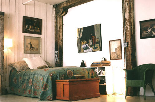 Modern bohemian bedroom: White + blue + wood   Photo by Ober ...