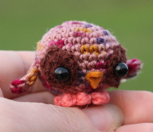 Crochet Amigurumi Kit - Rodney the Robin - The Crochet Craft Co | 556x640