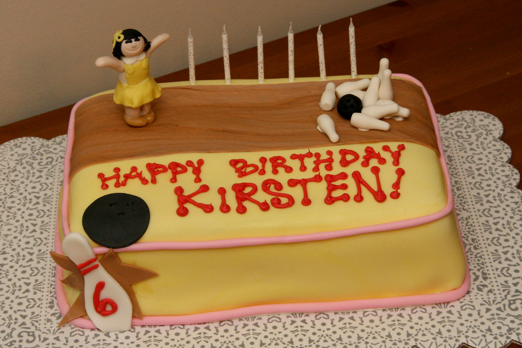 Prime Kirstens Bowling Birthday Cake A Bowling Themed Birthday Flickr Personalised Birthday Cards Veneteletsinfo