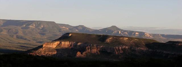 Vista al atardecer; entre San Rafael de las Tablas y Las Canoas; Zacatecas, Mexico