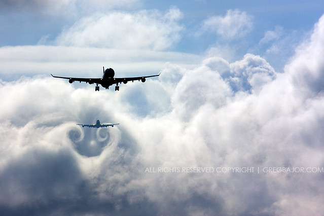 Wake turbulence - Airplanes chasing the clouds