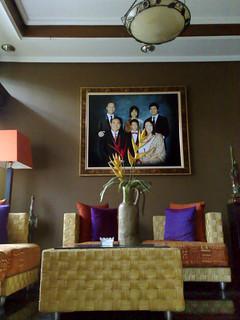 ruang tamu | dengan nuansa orange dan ungu | iphan loviano