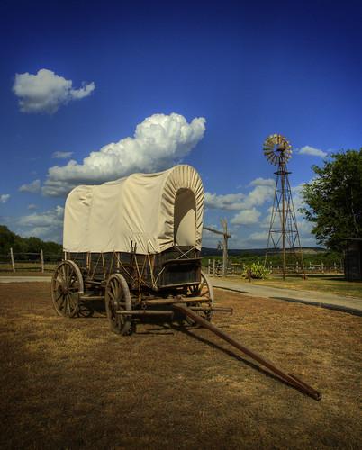 ranch windmill wagon texas tx western coveredwagon wimberley windpump photomatix oldgloryranch top20texas bestoftexas