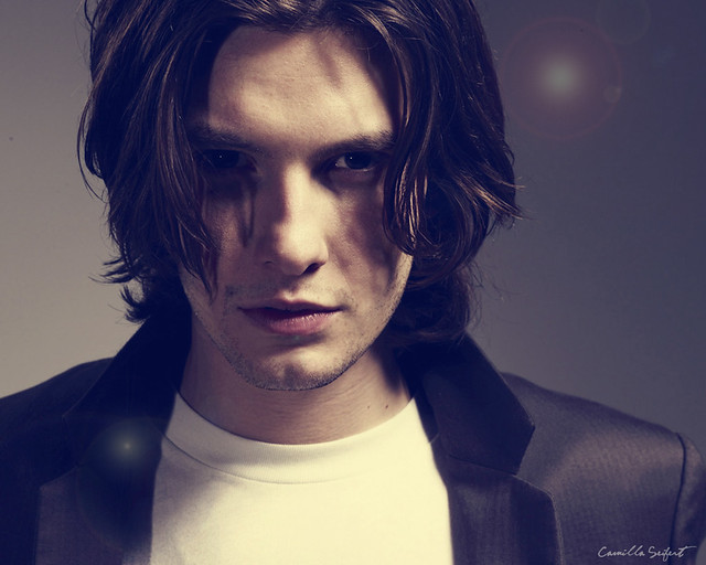 Wallpaper Ben Barnes The Crazy World Xd Flickr