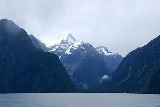 beautiful milford sound, fiordland | by hopemeng