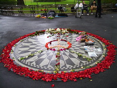 "John Lennon ""Imagine"" Memorial, Strawberry Fields, Central Park (Central Park West and 72nd Street), NewYork City, New York, USA"
