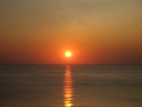 sun reflection sunshine sunrise glow